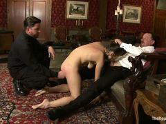 Горячая Audrey Rose сосет у мужиков на вечеринке