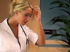 Белокурая медсестра