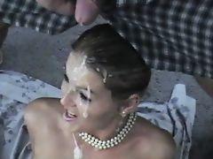 Великолепная блондинка покрыта спермой