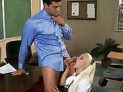 Сладкая Stevie Shae заглатывает учительский хуй