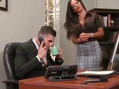 Секретарша Элисия Солис трахается в офисе