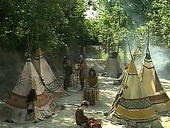 Индейцы трахаются в вигваме