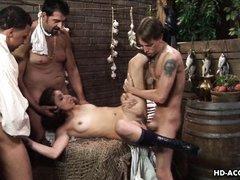 Трое похотливых мужчин  трахают молодую маму в кладовой