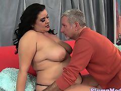 Зрелый мужчина трахает жирную бабу